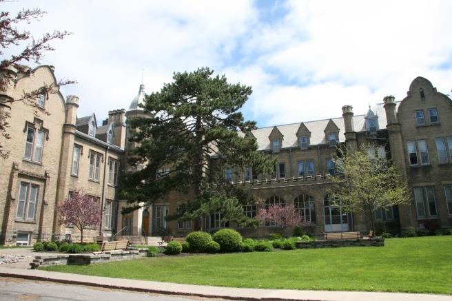 Trafalgar-Castle-School