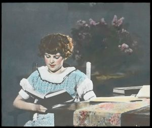 710px-Woman_reading,_1930s